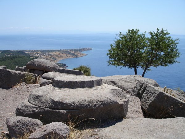 kadırga bay from assos athena temple