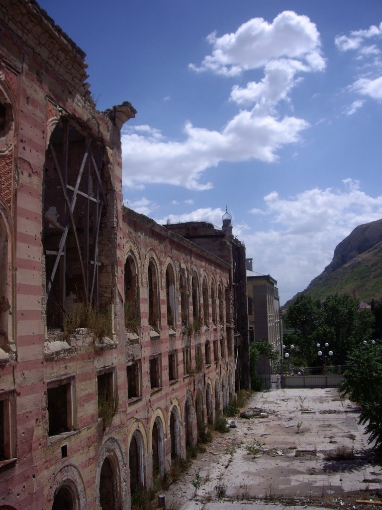 the destroyed government building